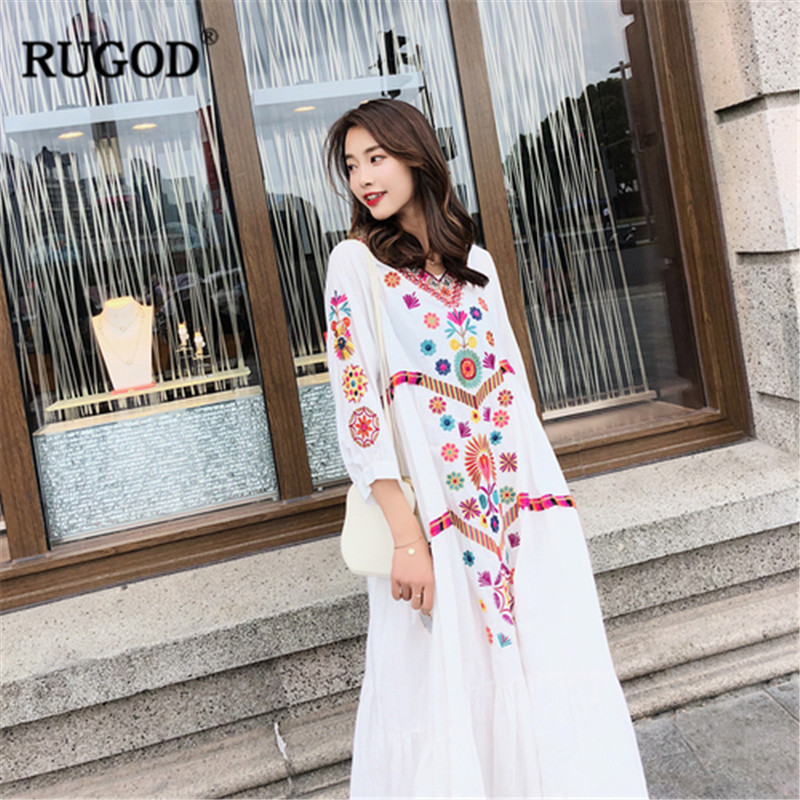 1ba76c4cd12d9 RUGOD-Casual-Floral-Ethnique-femmes-robe-Broderie-Boh-me-Beach-party-Robes -de-Plage-D-t.jpg