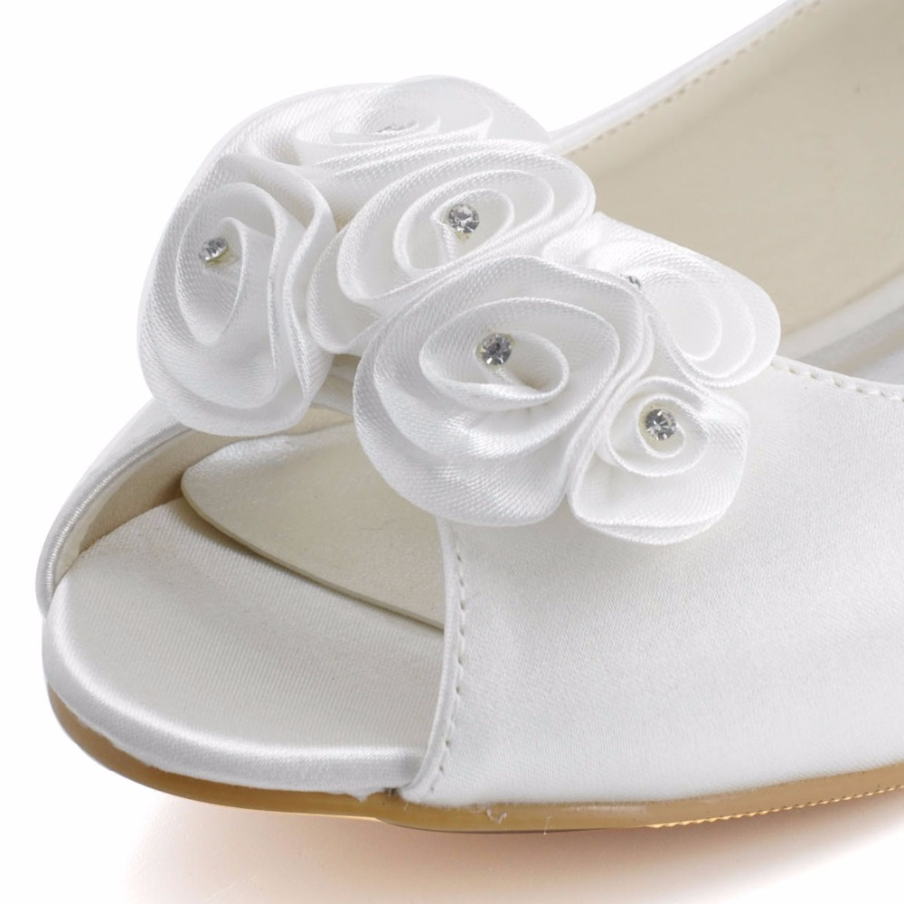 EP31015 Woman Flat Fashion Ivory Bridal Shoes Peep Toe Ladies  Shoes  Rhinestone Flower Plus Size Satin Wedding Shoes Woman Flats-in Women s Flats  from Shoes ... f86467531201