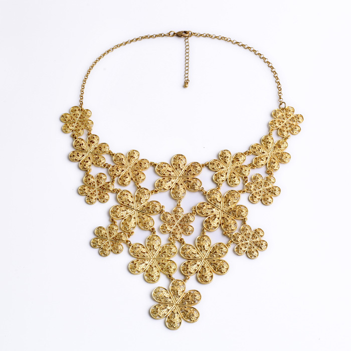 Hot Jewelry Accessories Friendly Major Suit Exaggeration Luxurious Noble Gold Color Hollow Flowers Necklace