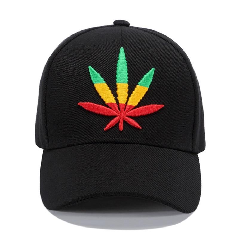 Nueva alta calidad de color sólido gorra de béisbol Unisex deportes ocio  sombreros hoja bordado deportivo para hombres y mujeres hip hop sombreros  en Gorras ... 851510e273f