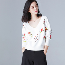 Фотография V-Neck Sweater Women Floral Embroidery Pullovers Female Loose Knitwear Sweet Jumper Tops All-Match Perfect High Quality