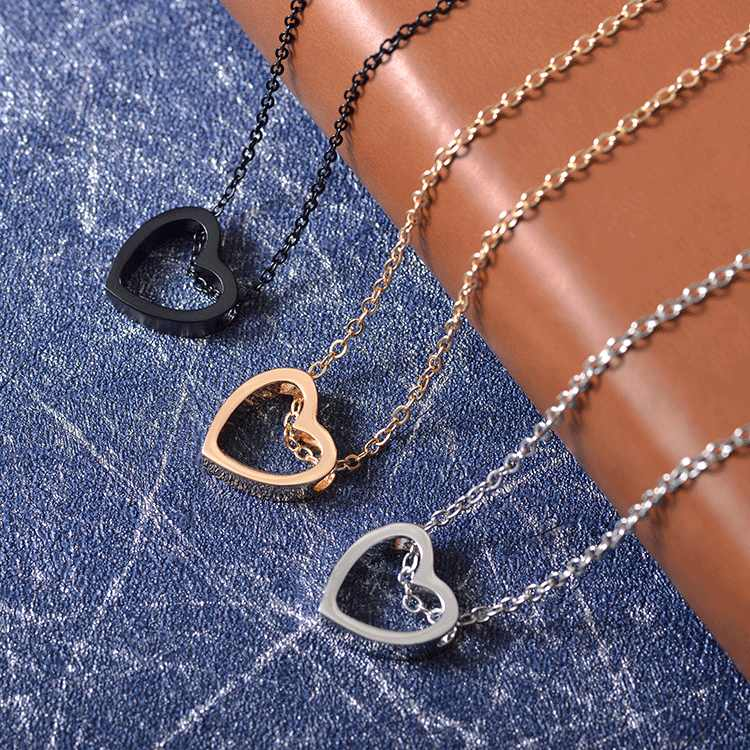 Korean Version Of The Hollow Heart Couple Stainless Steel Necklace Valentine's Day Women Jewelry Gift Necklaces & Pendants