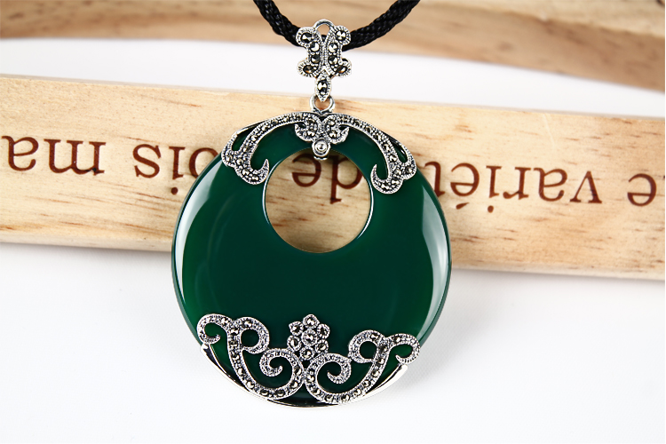 Green chalcedony Agate Pendant pendant gem sweater chain round large female Thai Silver Necklace Vintage Silver Jewelry 2018 top fashion sale agate s990 peacock peacock cloud chalcedony agate long silver chain sweater pendant wholesale
