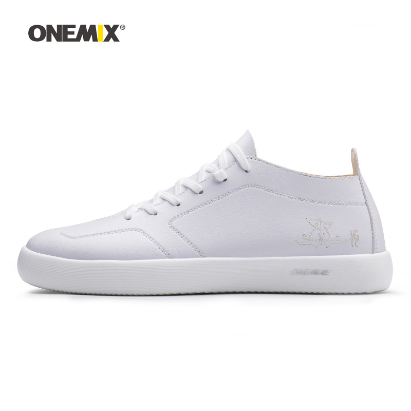 Woman Skateboarding Shoes Women White Microfiber Leather Designer Classic Skateboard Sneakers Outdoor Jogging Walking Trainers