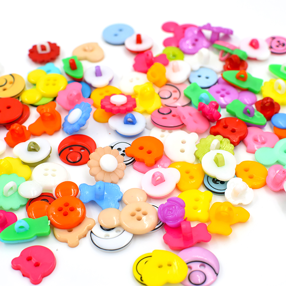 (50pieces/lot) .Children colored buttons. Mixed plastic baby cartoon Handmade diy Buckle flower material