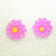 Fashion Cute Candy 7 Colors Small Daisy Flower Earrings Resin Soft Pottery Earrings Earrings Women Anti-allergic Jewelery Earrin(China)