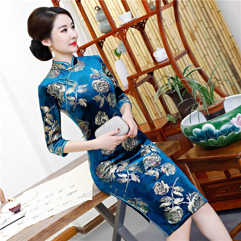 2019 الركبة طول شيونغسام الأزياء الصينية نمط اللباس إمرأة الربيع القطيفة تشيباو ضئيلة حزب فساتين سيدة زر Vestido S-5XL