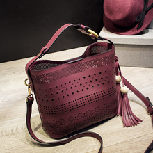 Women Fashion Hollow fringed Bucket Bag Handbags Lady Casual Style  Soft Shoulder Bag Bolsos 26*23*15CM