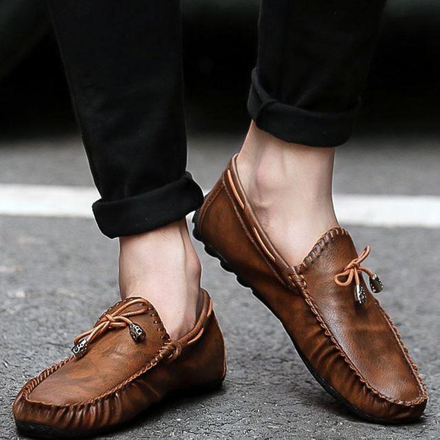 Premium Pria Flats Sepatu Kulit Pantofel Mengemudi Mocassin Slip Pada Sepatu  Pria Musim Panas Sepatu Kasual 99fe9c5028