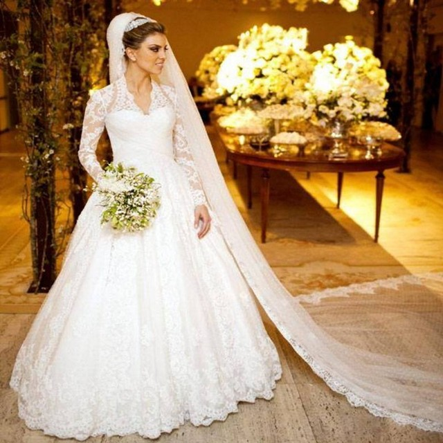 fa60e274ff44 Dubai Kaftan Muslim Bridal Gowns Long Sleeve Lace Elegant Middle East  Winter A line V Neck Cheap Vintage Wedding Dresses 2017