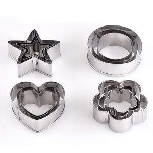 Kitchen Gadgets Cake Decoration Tools&Stainless Stee Round/Heart/Star/Flower Shaped Fondant Cake Mould l Cookie Cutter 3Pcs/Set
