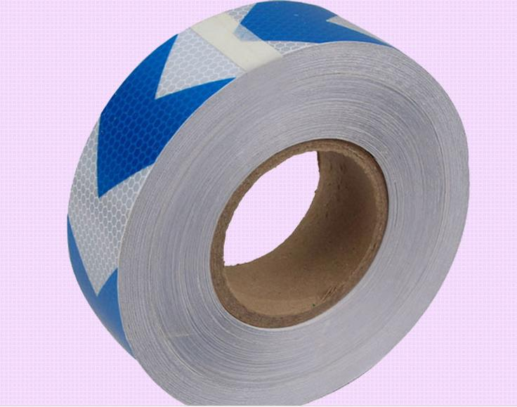5cm*45M white blue arrow reflective self-adhesive safety warning tape road traffic guidepost adhesive film5cm*45M white blue arrow reflective self-adhesive safety warning tape road traffic guidepost adhesive film