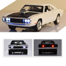 Горячая 1:32, автомобильное зарядное устройство, литая под давлением металлическая модель, автомобильный звук и светильник, игрушка для мальчика, подарок для детей, 4 цвета