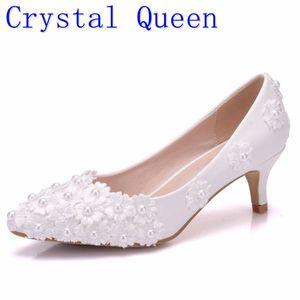 Image 1 - Crystal Queen chaussures blanches à talons hauts en perles fleurs, escarpins de mariée, 5CM, chaussures de soirée et soirée