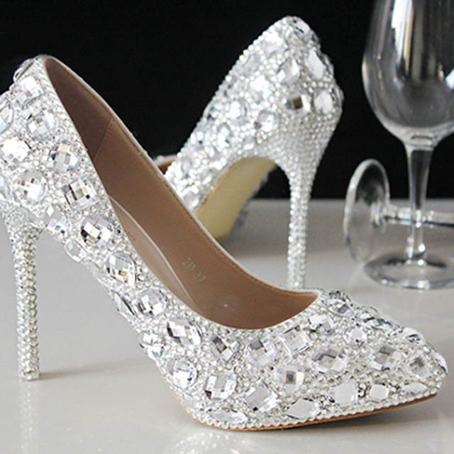 Wedding Shoes Female Autumn Crystal shoes Bridal Wedding Dress Matches  Women s Silver Heels Pointed Toe Thin 3beab68d702a