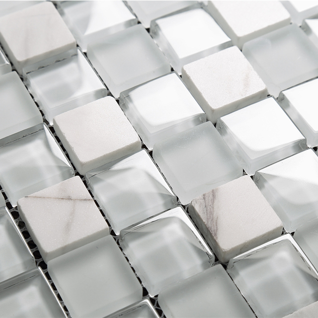 Interesting blanc cristal en verre mixte mosaque de pierre for Carrelage en verre