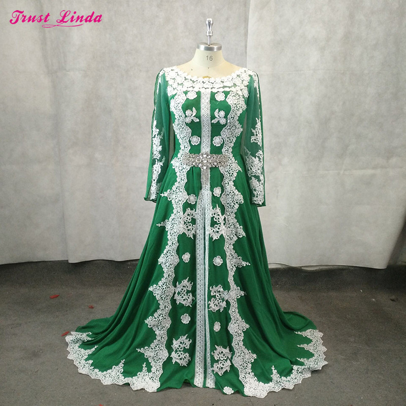 Gorgeous Lace Appliques Plears Green Mother Dresses Scoop Neck  Wear Red Carpet Gowns 2018