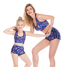 Купить с кэшбэком mother daughter bath swimsuits family look mommy and me swimwear set family matching clothes beach dresses outfits clothing sets