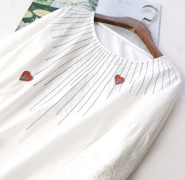 Amor bordado cordón flare o-cuello de manga tres cuartos camisa manga superior m