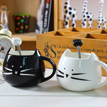 Cute Coffee Mug Milk Cups Black and White Porcelain Cat Cups and Mugs with Spoon Creative Gift for Freinds Lover and Family mini cat couple figure toy with suction cups white black pair