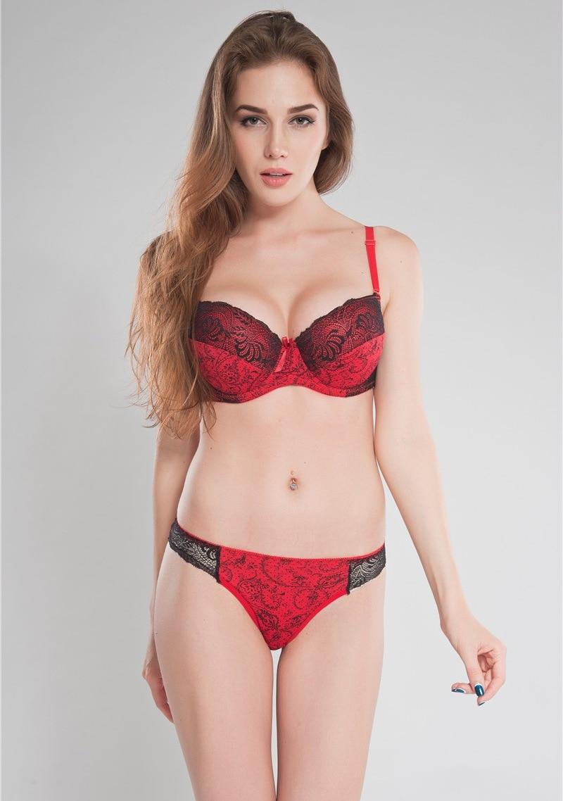 Turkih cd in red lingerie
