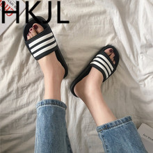 HKJL 2019 Korean version of the students with striped slippers female summer outside wearing indoor non-slip bath A418
