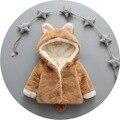Новый Девочка Одежда Мода Теплый Детские Экипировка Зима Хлопок детский Костюм Пальто Новорожденных Детей Искусственный Мех С Капюшоном Младенческой куртки