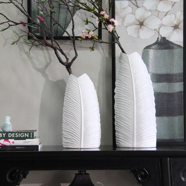 Handmade White Plantain Leaf Shaped Modern Ceramic Vases Decorative Abstract Ornaments Porcelain Flower Vase Matt