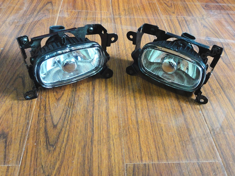 2Pcs OEM Replacement Front Fog Light Driving Lamps Left & Right Side For MISUBISHI OUTLANDER 2003-2006 2pcs oem left