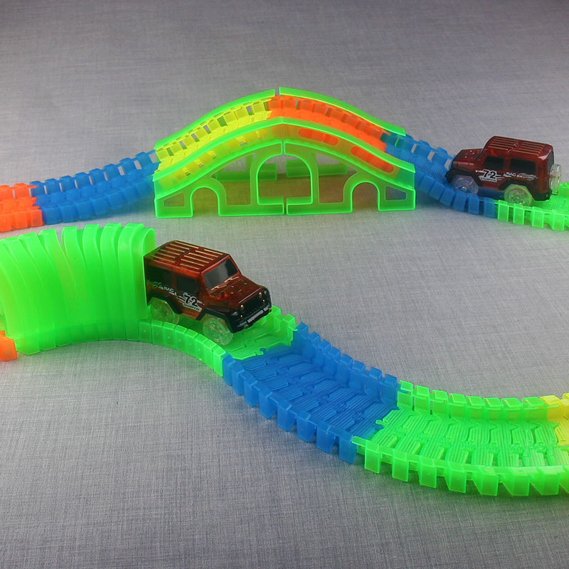 Flexible-Track-DIY-Toy-Slot-Car-Kit-with-LED-Light-Car-glows-in-the-dark-Racing-Track-Toys-Slot-Car-Gift-for-children-kids-3