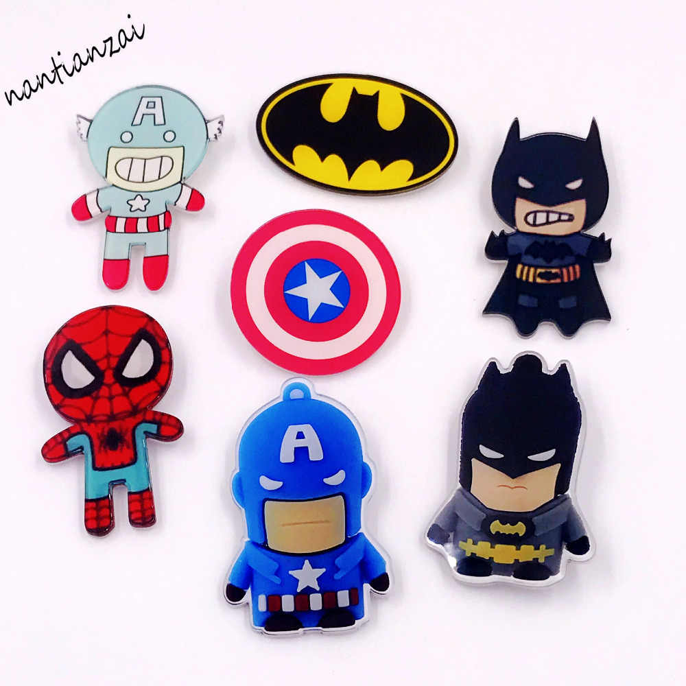 1PCS Super Heros Bat man Spider manAmerica of captain Icon Acrylic Brooch Badges Backpack hat shoes Clothes Accessories Pins