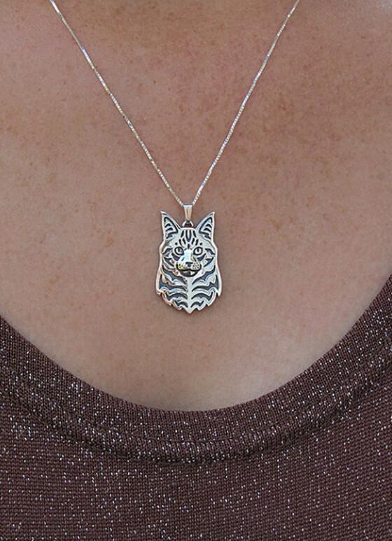 Ожерелье с котом из мейн енота ожерелье ручной работы ажурная