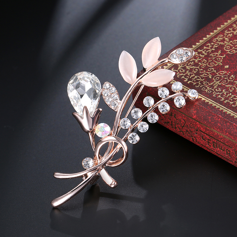 SHUANGR 1pc plant shape gold color crystal Brooch pins Women Brooch Scarf Pins Accessories Bouquet Mujer Wedding Female Jewelry