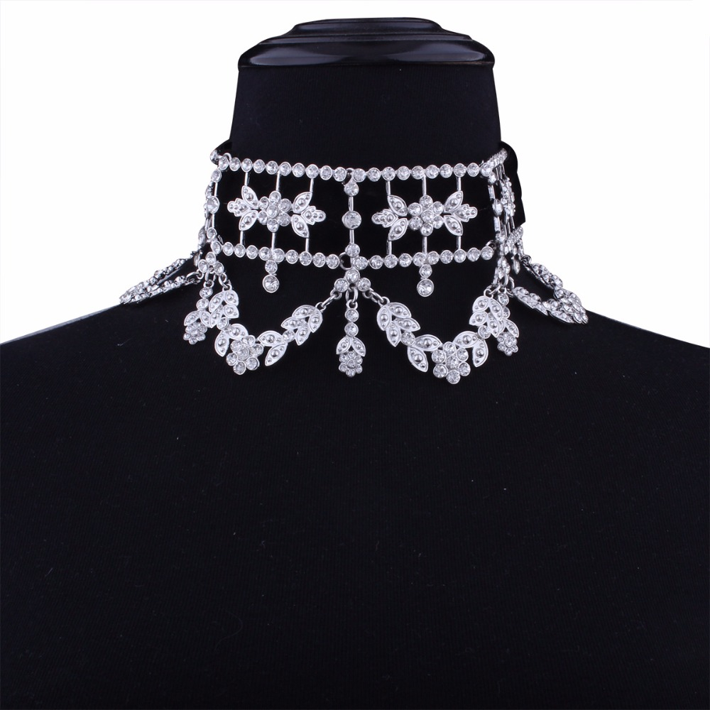 KMVEXO 2017 Fashion Crystal Rhinestone Choker Necklace Velvet Statement Necklace for Women Collares Chocker Jewelry Party Gift 14