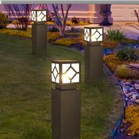و أدى أضواء الحديقة خارج مربع أوربية فناء أضواء أضواء مصباح في الحديقة حديقة الأنوار في المشهد