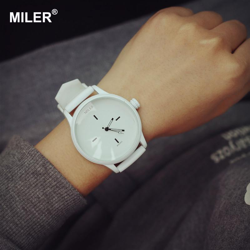 High Quality Fashion Brand Soft Silicone Strap Jelly Quartz Watch - Dameure - Foto 5
