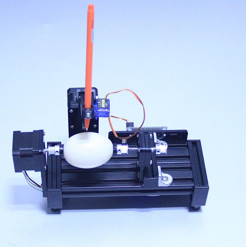 Machine de dessin doeufs de robot de peinture daubergbot pour dessiner sur le robot doeufs de couleur doeuf et de bouleMachine de dessin doeufs de robot de peinture daubergbot pour dessiner sur le robot doeufs de couleur doeuf et de boule