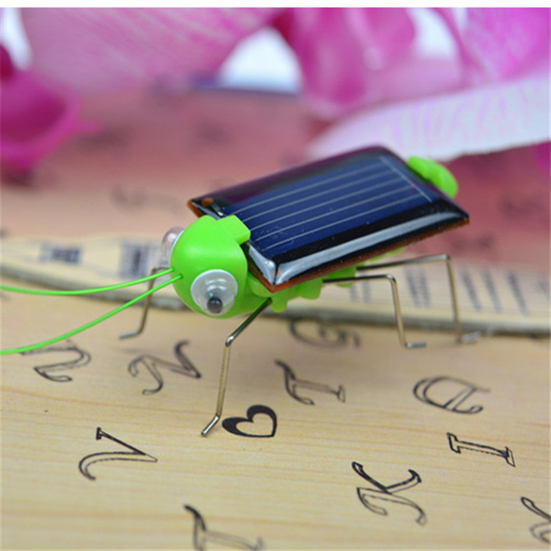 mini Novelty Solar Panel toy simulation insects model Practical Jokes Funny creative Gadget toys for children kids gifts new