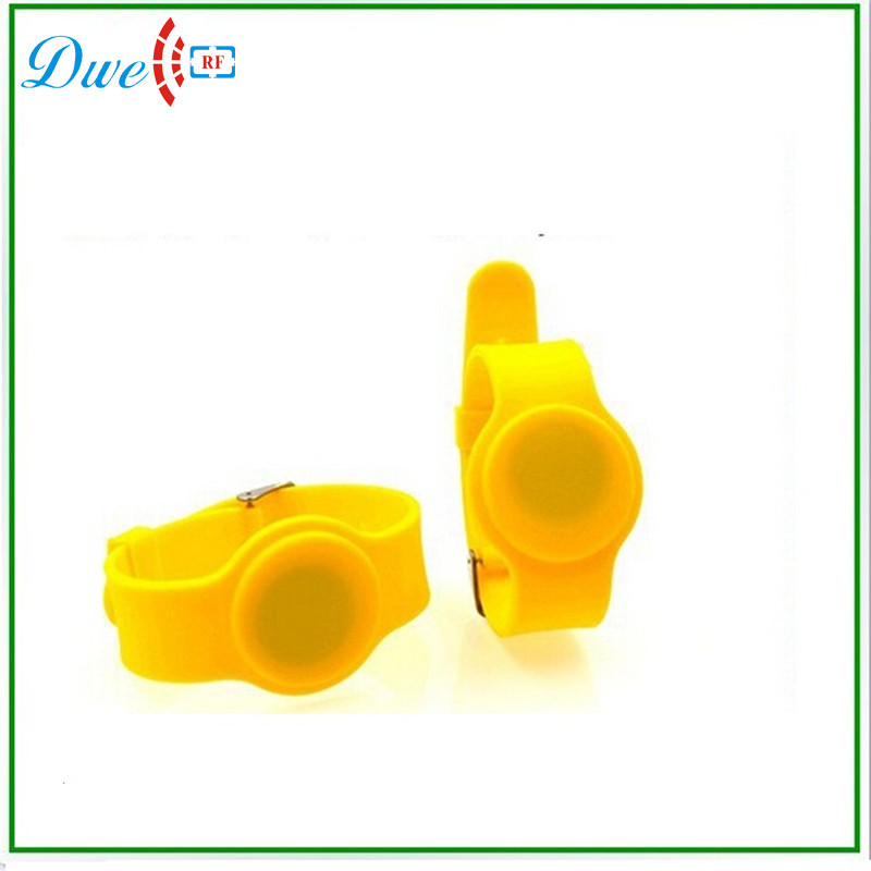 DWE CC RF low frequency proximity short range plastic wristband with yellow color turck proximity switch bi2 g12sk an6x