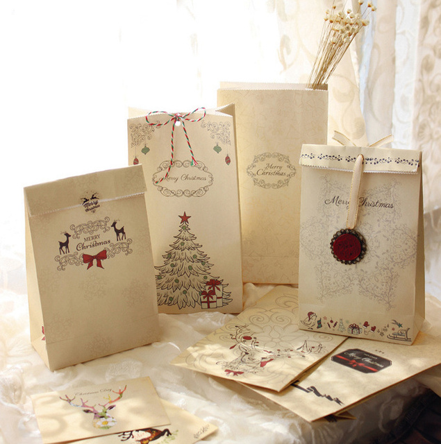 Merry Christmas kraft paper bag, Gift Bags, Party, Lolly,Favour, Wedding, Packaging  22x12x6cm Mix 24pcs/lot