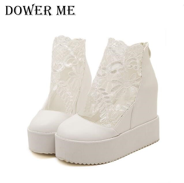 7bf217bfb4c293 Hot! mode Douce Dentelle Chaussures Romaines Femmes Wedge Talons Blanc Plate  Forme Pompes Haute Talons Sandales zapatos plataforma mujer encaje dans  Pompes ...