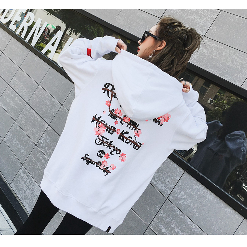In2018, hooded cherry blossom print student's personality, chunqiu hoodie, hip hop lover's hoodie.