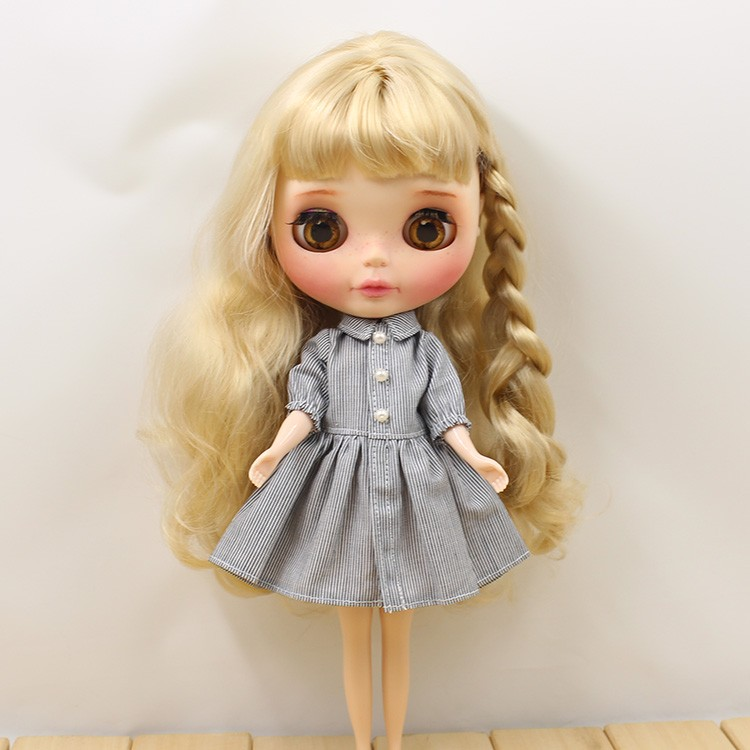 Neo Blythe Doll Grey Dress 2