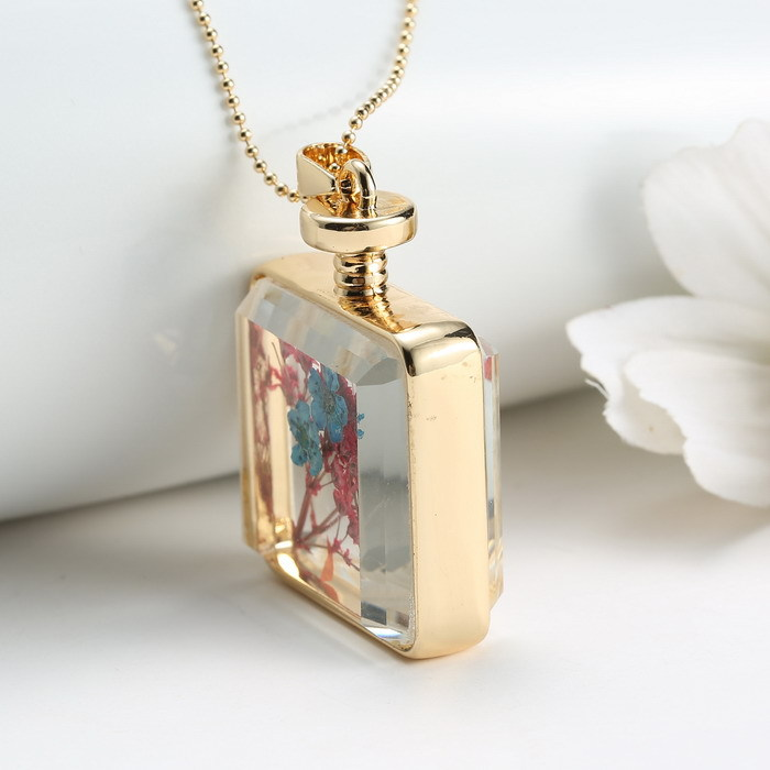 Gold memory locket necklace crystal photo frame glass locket gold memory locket necklace crystal photo frame glass locket pendant dried flower pendants necklaces women in pendant necklaces from jewelry accessories mozeypictures Choice Image