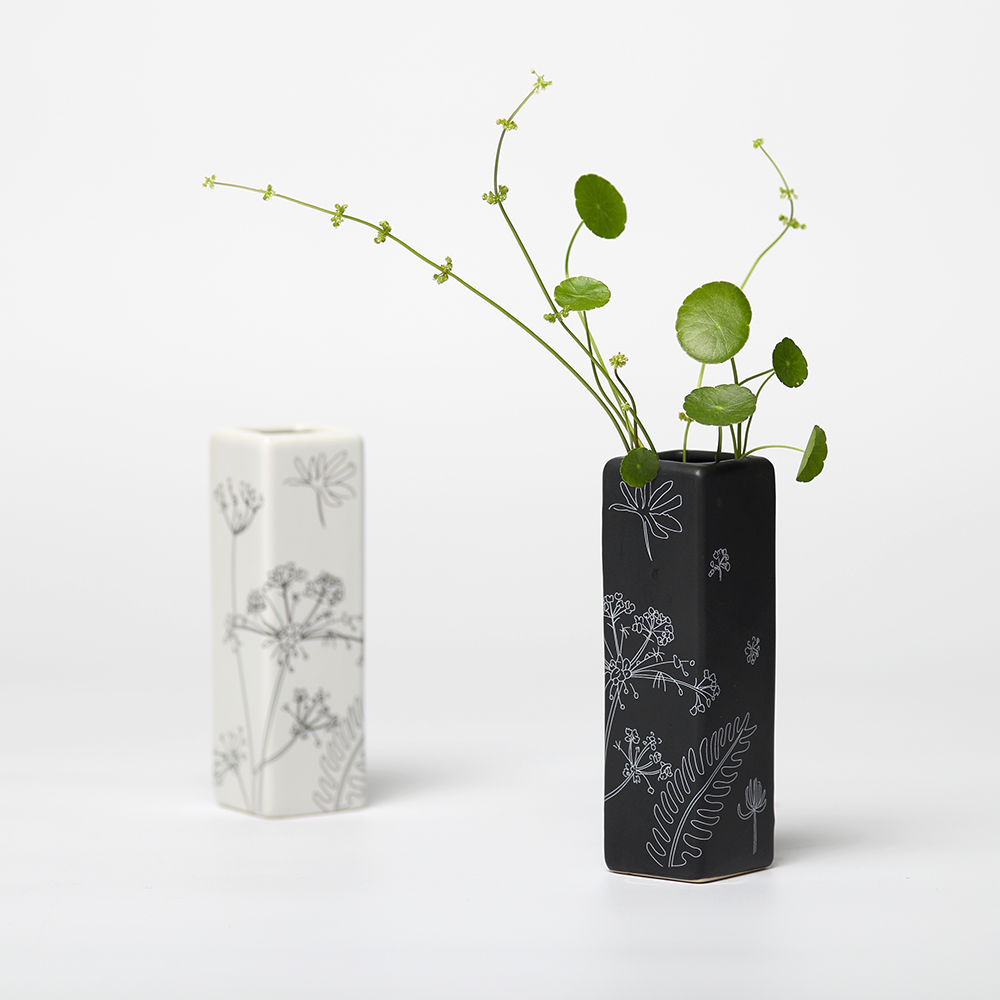 Creative adornment flower vase black white square small vase desk furnishings Ceramic storage water vase best gift for parents