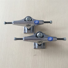Free Shipping Man Truck ROYAL Light Weight 5 Skate Truck Aluminum Skateboard Truck aluminum deck truck