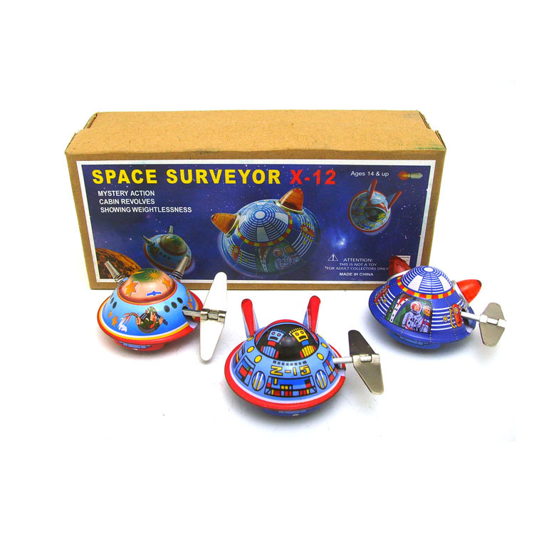 [Funny] 3pcs/lot Adult Collection Retro Wind up toy Metal Tin UFO space ship space surveyor spaceman Clockwork toy vintage toy image