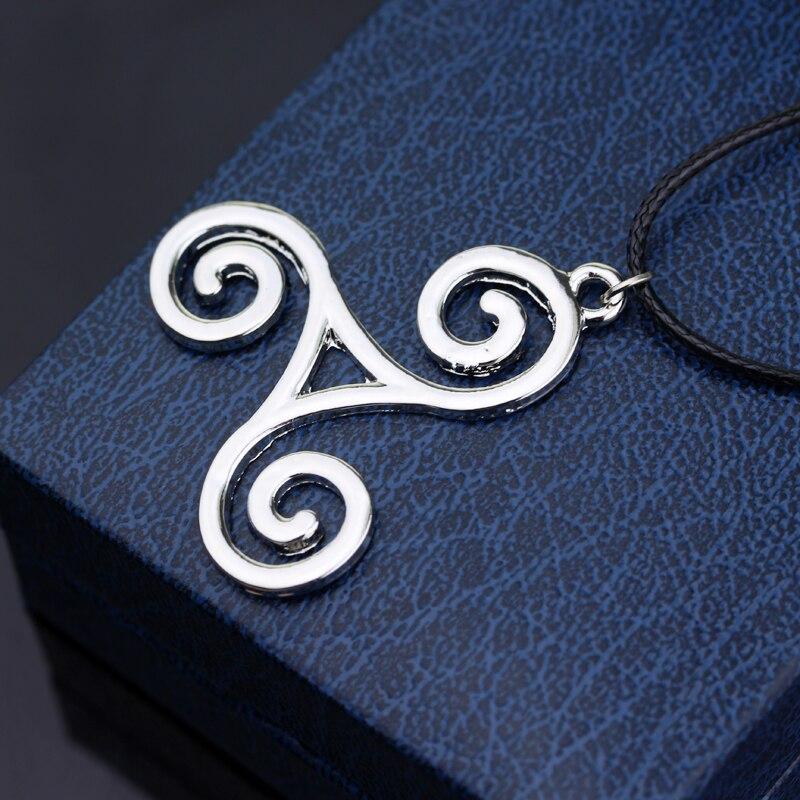 Teen Wolf triskel Necklace Werewolf Boy Pendant Necklace Jewelry Metal Delicate Accessories for Men Women Cosplay 3