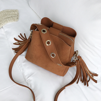 Retro Bucket Bag 1
