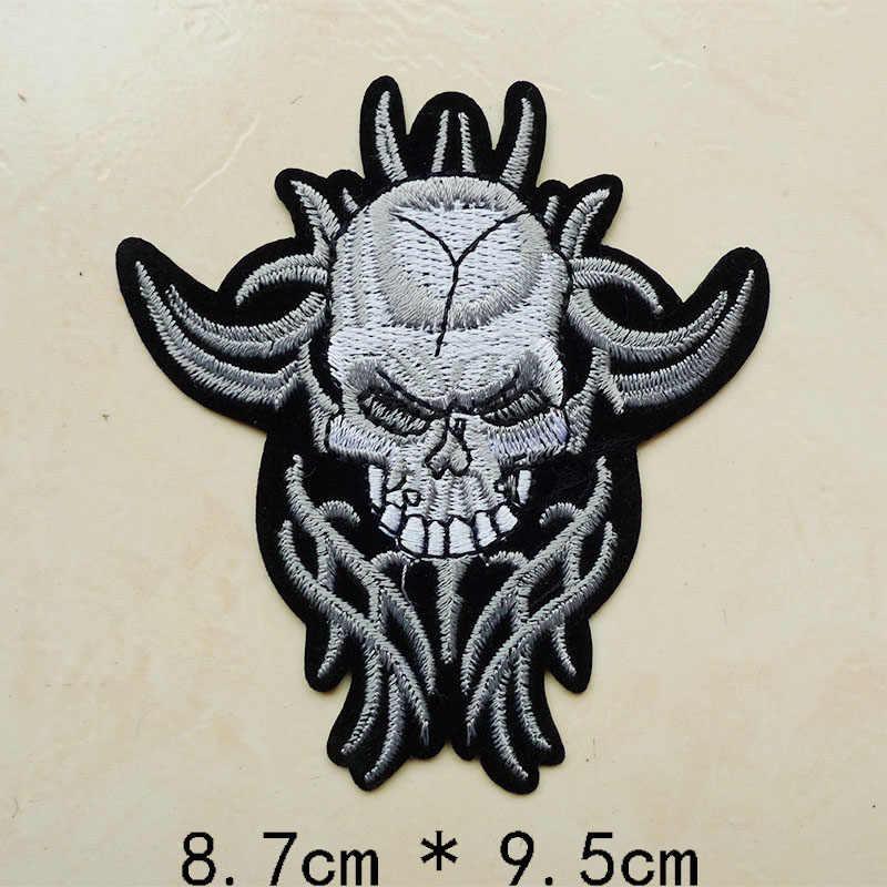 1 Pcs Impronta di Barretta Del Cranio Dell'uccello del Ricamo Ferro sulla Toppe e Stemmi per Abbigliamento Jeans Applique Abbigliamento Bambini Bande Del Cappello Sticker Distintivi e Simboli